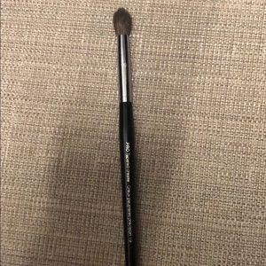Sephora pro tapered crease brush 19